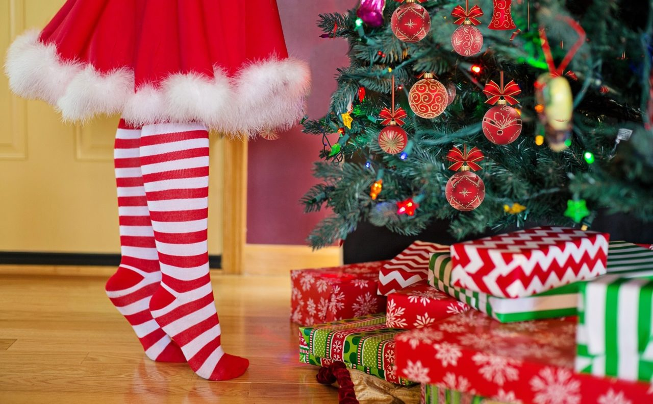 How should divorced parents agree who has the children at Christmas?